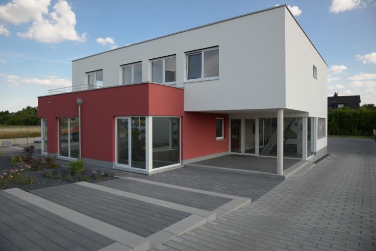Projekt: Betriebsgebäude mit Lagerhalle